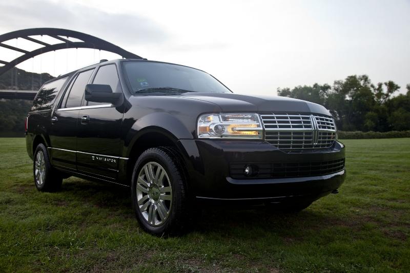 sedans-inc-linclon-navigator-suv-fleet